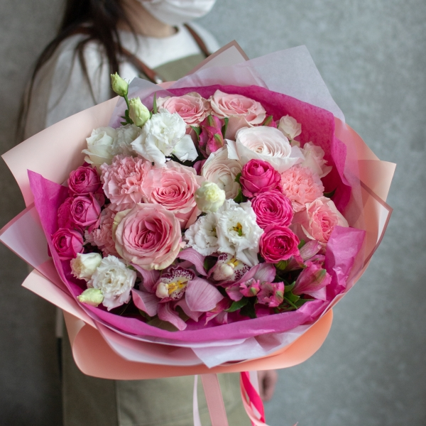 Букет Мелания с розами