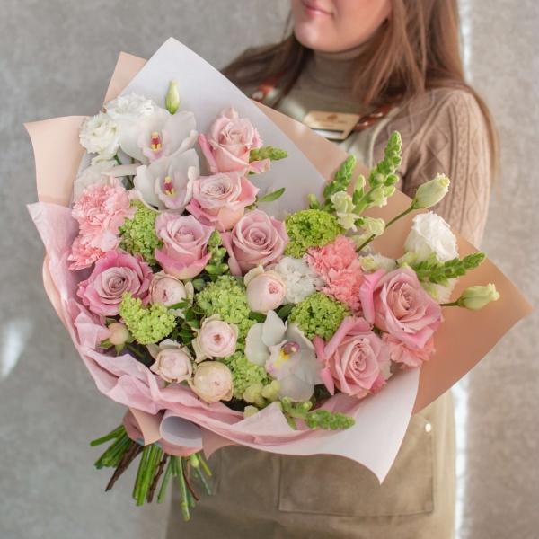 Букет Клара с розами и орхидеями