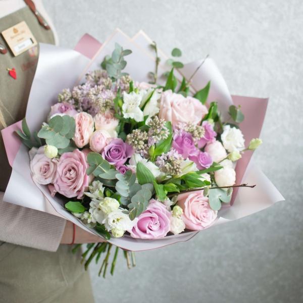 Букет Линда с розами и сиренью