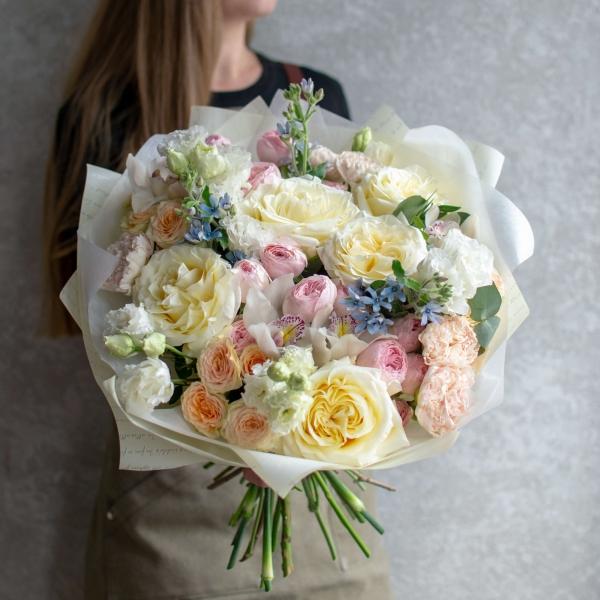 Букет Джоли с розами