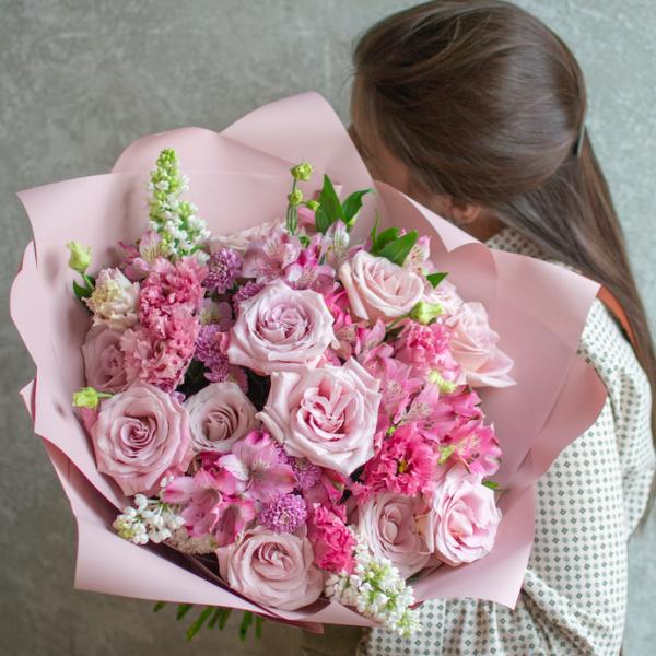 Букет Илана с розами