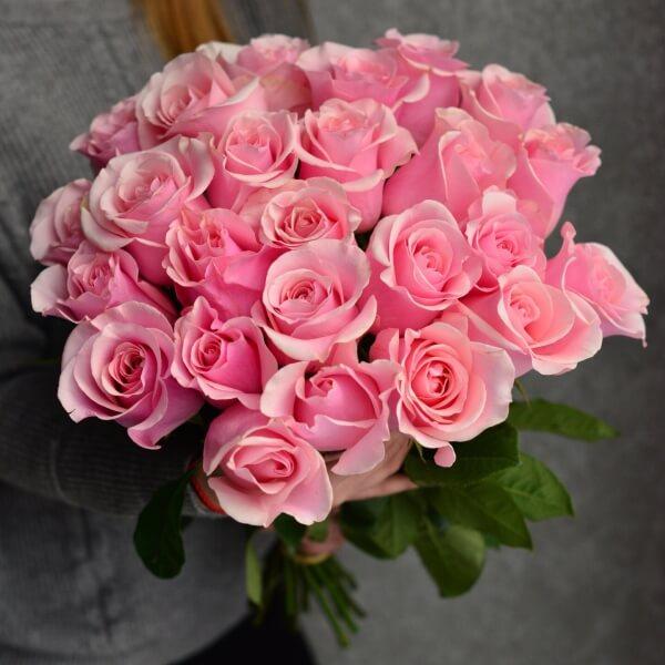 Букет 25 розовых роз 60 см